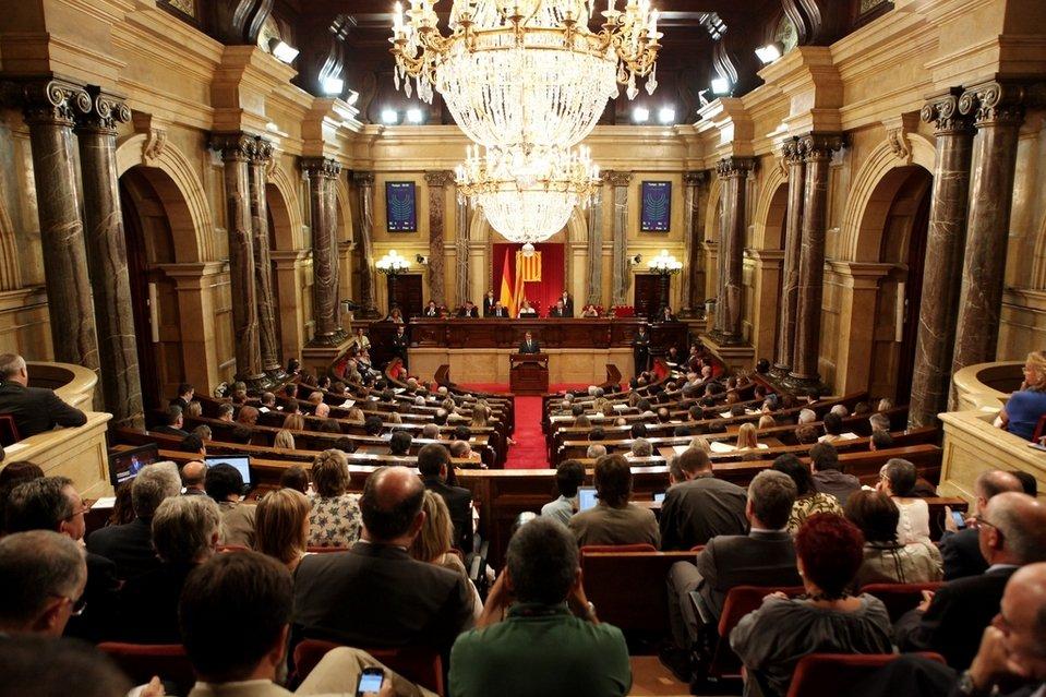 Hemiciclo-del-Parlament-de-Cat_54351150855_54028874188_960_639
