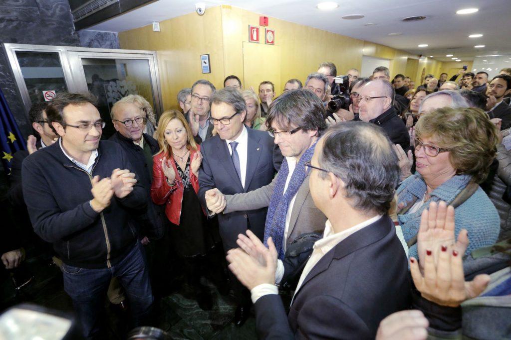 Puigdemont-CDC-Generalitat-MANOLO-GARCIA_ARAIMA20160109_0261_60